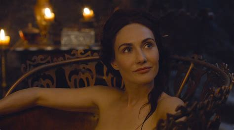 We need to talk about that Melisandre/choker plothole in