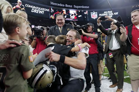 Record-setting night for Brees; embarrassing loss for