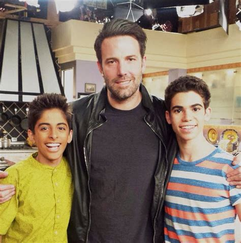 """Photos: Ben Affleck With The Stars Of """"Jessie"""" December 4"""